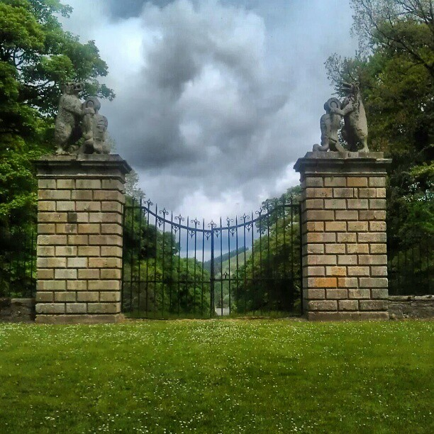 Gates closed over 300 years ago. Not to reopen till Scotland is a free country. - from Instagram