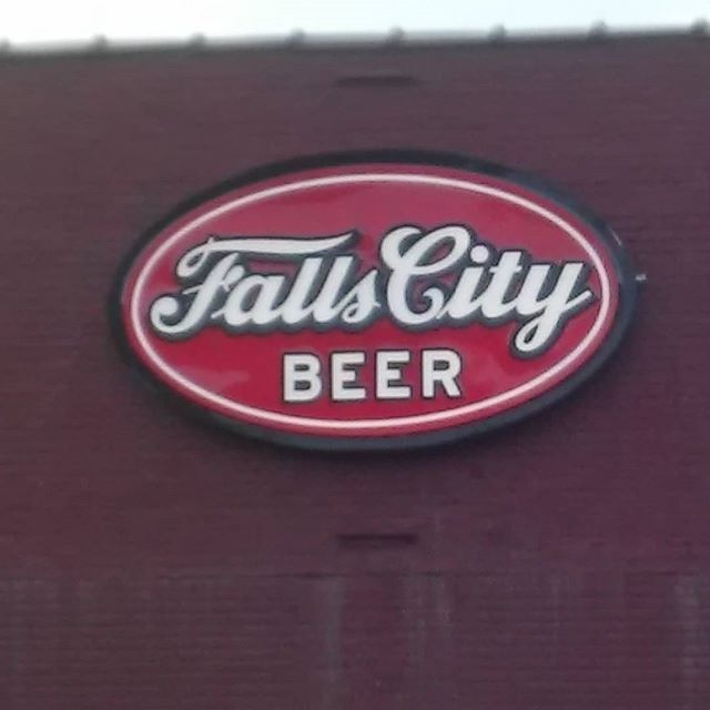 #fallscitybrewing nice beers here in Louisville. - from Instagram